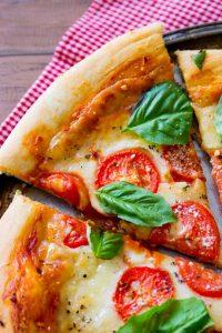 Пицца Маргарита классический итальянский рецепт