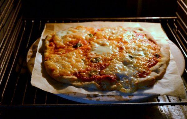 Пицца Маргарита в духовке