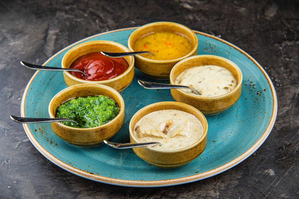 преимущества и виды острых соусов от компании «TOKO»